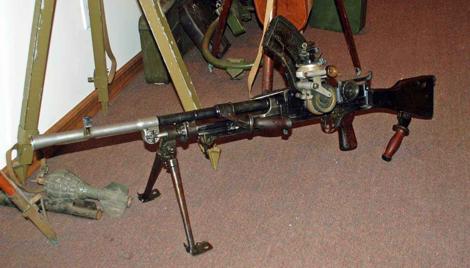 Bren Mk 1 with dial sight.